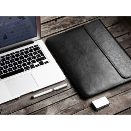 Obal na MacBook Pro 15 Red Ant Whiskey Aroma černý